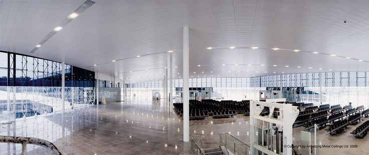 Lotnisko, Barcelona, Armstrong, sufity podwieszane, sufit akustyczny, acoustic, ceiling