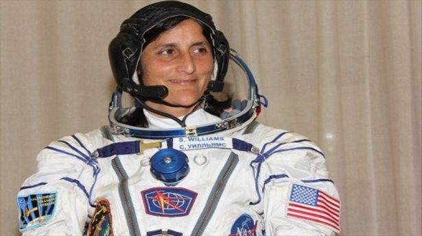 American woman takes command of space station: International Spaces, American Woman, News Worthi, Spaces Stations, Inspirationalawesom Woman, Indo American, Inspiration Awesome Woman, American Nasa, 2Nd Spaces