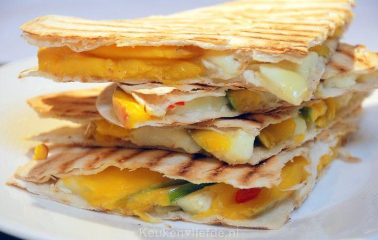 Pittige quesadilla met brie en mango - Keuken♥Liefde
