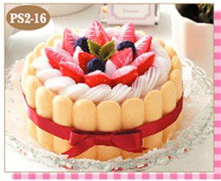 Felt Strawberry Cakes Kit by Lit'l Brown Bird, via Flickr