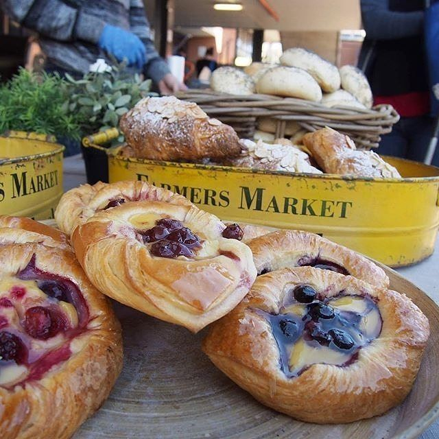 """Instagrammer @cider_teak is a fan of the hustle and bustle of a Sunday morning at the Southside Farmers Markets. """"The smell of freshly baked goods from @breadnerds is hard to go past @cbrfarmersmkts."""" How will you be spending your Sunday in the capital? #visitcanberra #onegoodthingafteranother"""