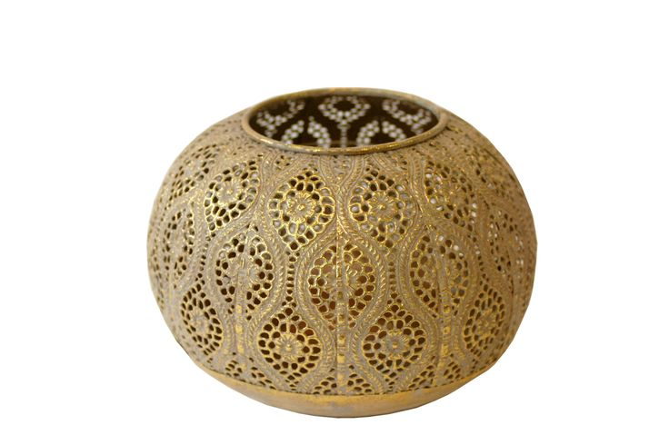 Round filigree votive