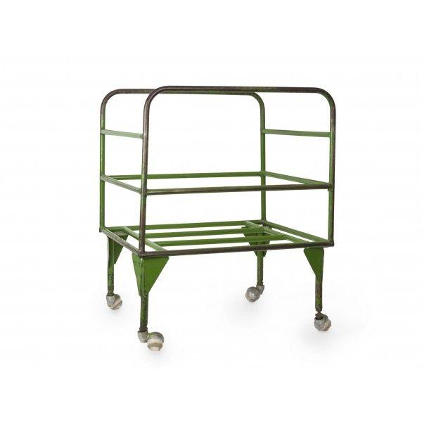 CARRO VINTAGE PEQUEÑO Estilo Vintage Color Verde Efecto Desgastado 79,00 € http://www.reallynicethings.es/tienda/vintage-market/963-carro-pequeno.html