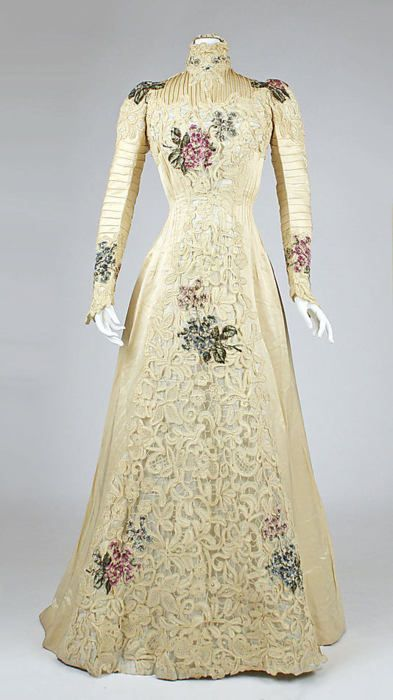 Beautiful high-collared floral number, ca. 1900. How long do you think it took to sew in those pleats?