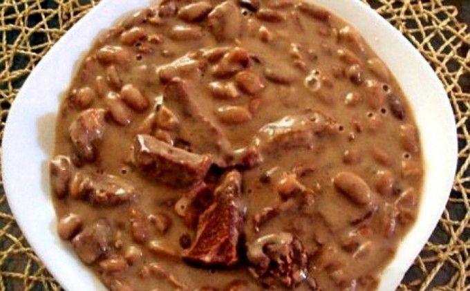 Hustá fazole s klobáskou nebo vepřovým masem