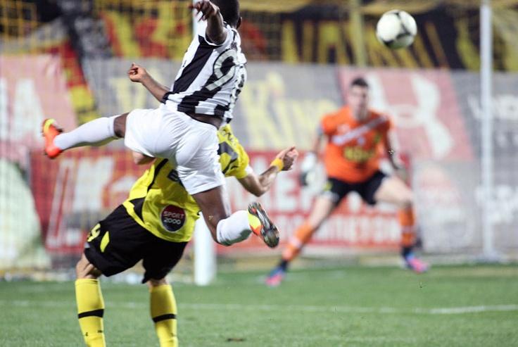 Abdoul Razzagui Camara scores with volley against Aris