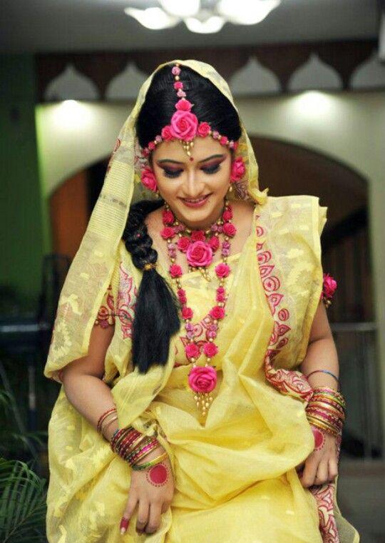 Flower Jewellery For Mehndi Uk : Best floral jewellery images on pinterest flower