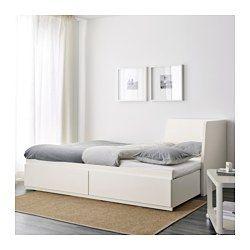 IKEA - ФЛЕККЕ, Кушетка с 2 матрасами/2 ящиками, белый/Хусвика жесткий, , Четыре функции в одном предмете мебели: диван, односпальная кровать, двуспальная кровать и два вместительных ящика для хранения.Спинку можно установить справа или слева.Пружины Бонелл обеспечивают оптимальную опору и полноценный отдых.
