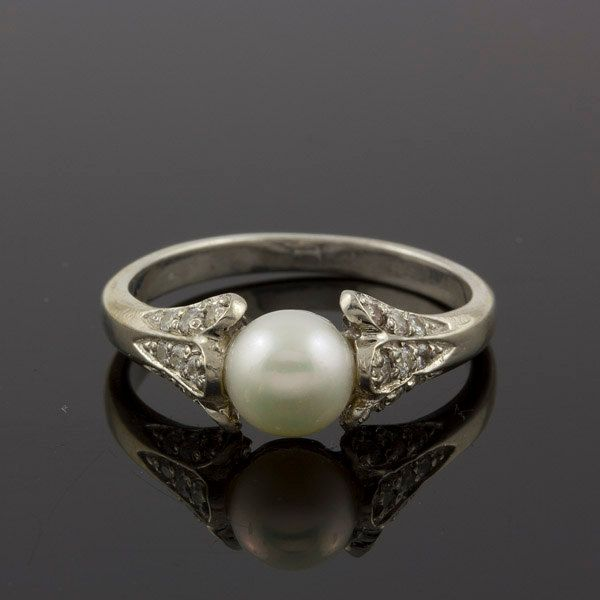 Pearl Wedding Ring: 1000+ Ideas About Vintage Pearl Rings On Pinterest