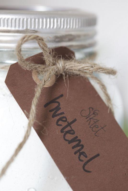 """Merking av Norgesglass er smart! Skriver du på klistremerker eller bruker du """"hang tags""""? Kommer kanskje mest an på om det er ment som gave eller til eget bruk ;) (Av Livs Lyst)"""