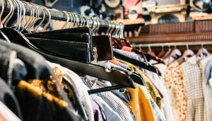 Where to Look (and Where Not to Look) In a Thrift Store For Vintage Gems    Hijacked for you by your fav partner in CRIME | http://londoncri.me/party-in-crime-p