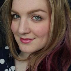 Een romantische roze look, gecreëerd door blogster Vera Camilla met budget make-up producten.