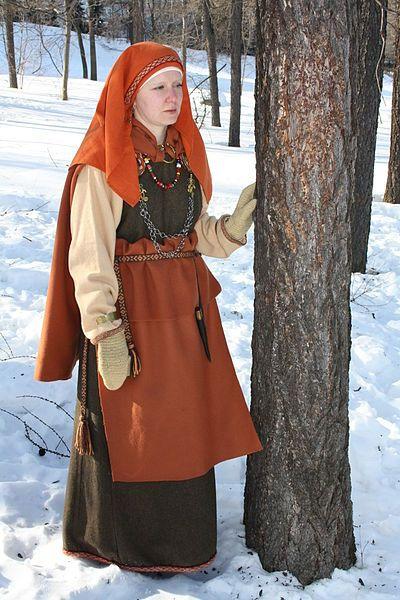 Куклы в народных костюмах №39 Кукла в карельском зимнем костюме