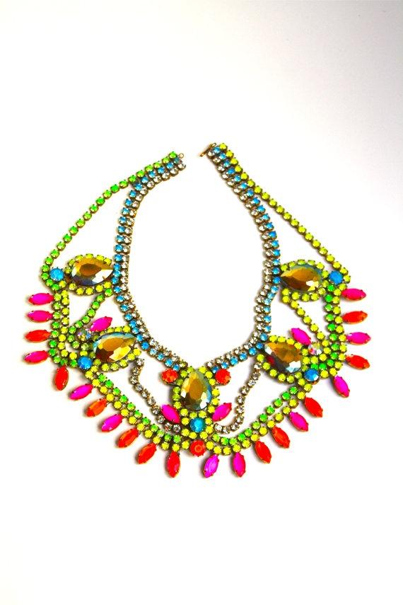 Neon Necklace ☻                                                                                                                                                                  ⇜•ṄεΦЙ❉€яᗛƶΣ•⇝
