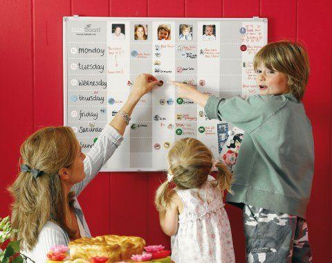 Prachtig groot en praktisch planbord. Met mooie, groot assortiment magneetjes. www.bizzyboard.com