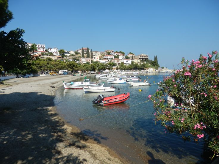 Paralio Astros is a small village in the area of Arcadia. Great choice for family holidays with sandy beaches and nice view.