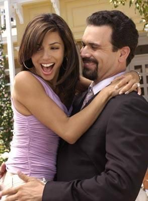 Gabrielle & Carlos - Desperate Housewives (Ricardo Antonio Chavira & Eva Longoria) Both have lived in San Antonio, Texas.