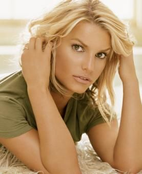 Jessica Simpson-natural makeup