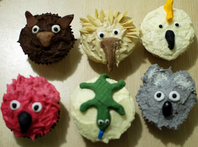 Aussie animals cupcakes.  No recipe but gives the idea.