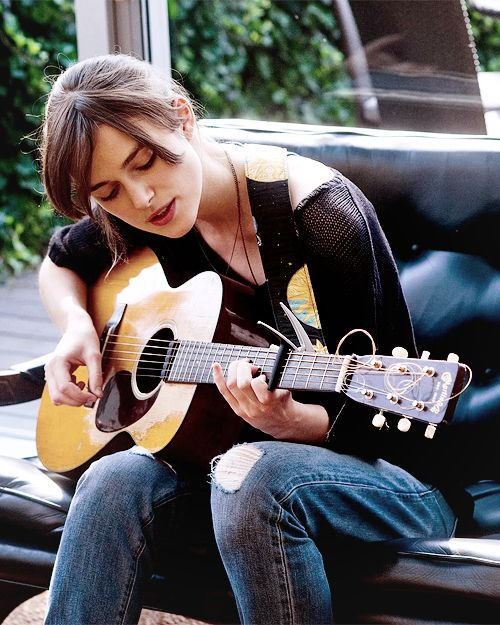 Keira Knightley | Production Still from Begin Again (2014) ~ AHHHH SHE'S PLAYING THE GUITAR AND ASDFGHJKL SHE'S SO.. beautiful.