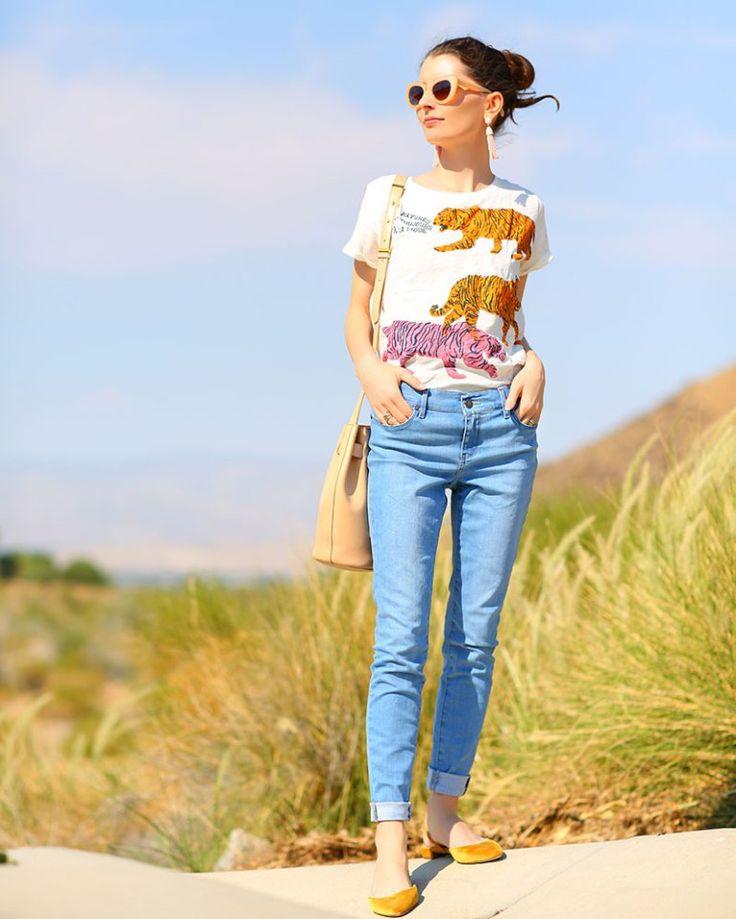 Love these light blue skinny jeans.   #kellygolightly #jcrew #cuyana #baublebar #mottandbow