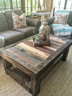 Pallet coffee table. **The top would make a beautiful kitchen table**