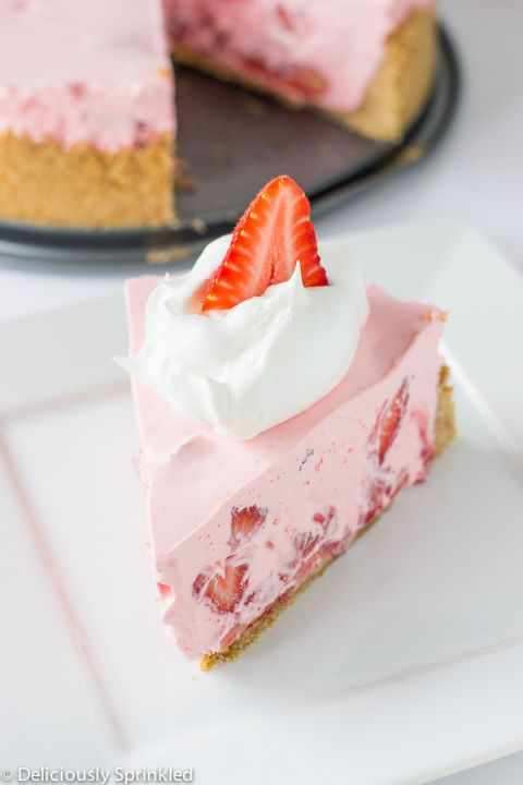 No+Bake+Strawberry+and+Cream+Pie