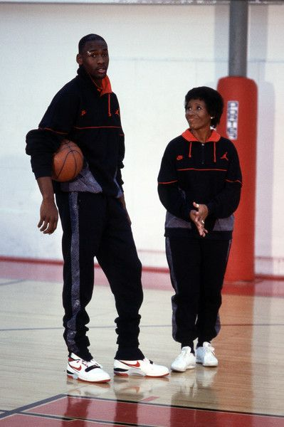 72c2da00702b37 Michael Jordan and His Mom