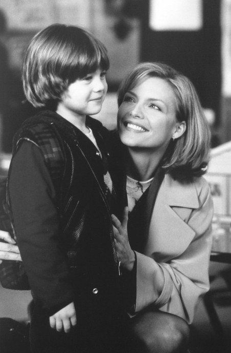 Still of Michelle Pfeiffer and Alex D. Linz in One Fine Day