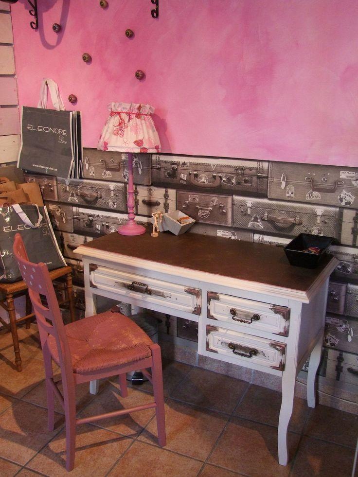 bureau gris gris et métaline fer rouillée