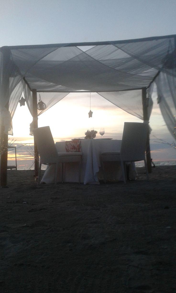 Decoración y montaje de cena romántica Karmairi