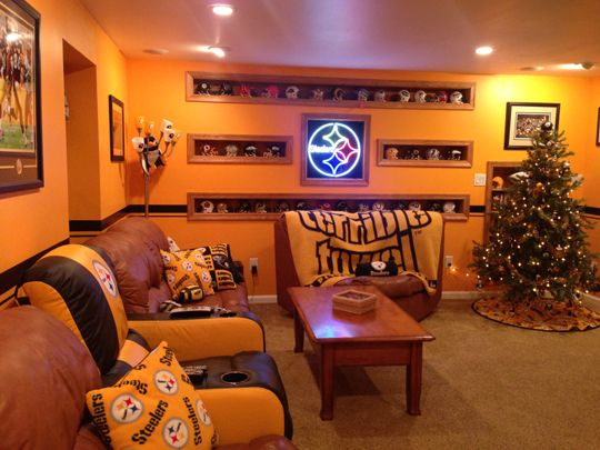 PITTSBURGH STEELERS~Steelers Cave If I had a family room this would so be how I would decorate it!