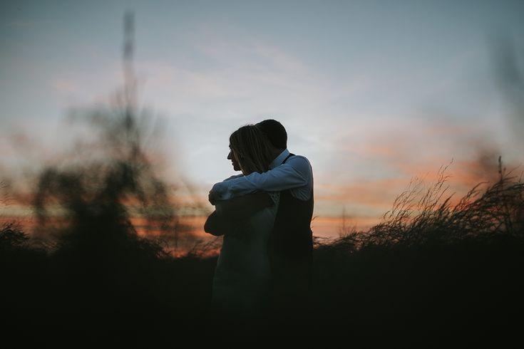 fotografía boda novios atardecer cielo