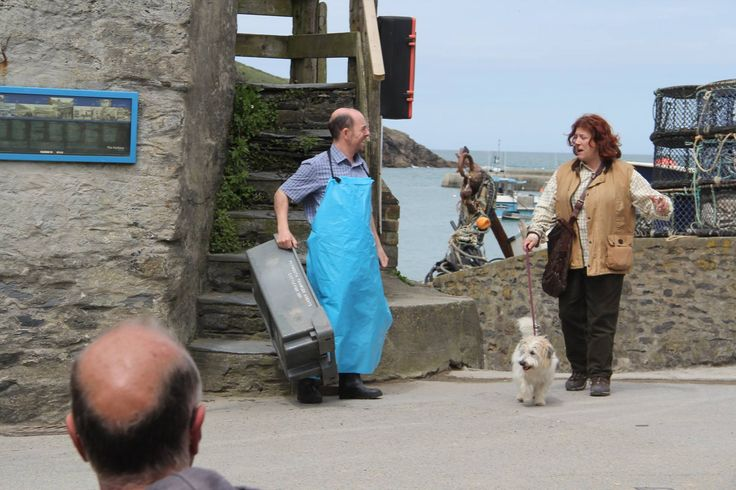 The fishmonger, Buddy, and Caroline Quentin - Filming Doc Martin S7 - May 2015 (via Facebook)