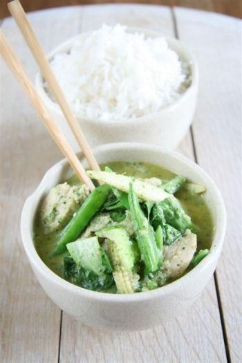 Lemongrass and Coconut Curry recipe on www.nomu.co.za