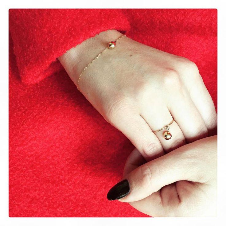 Delicate gold ring and bracelet.  www.lorentzandco.com