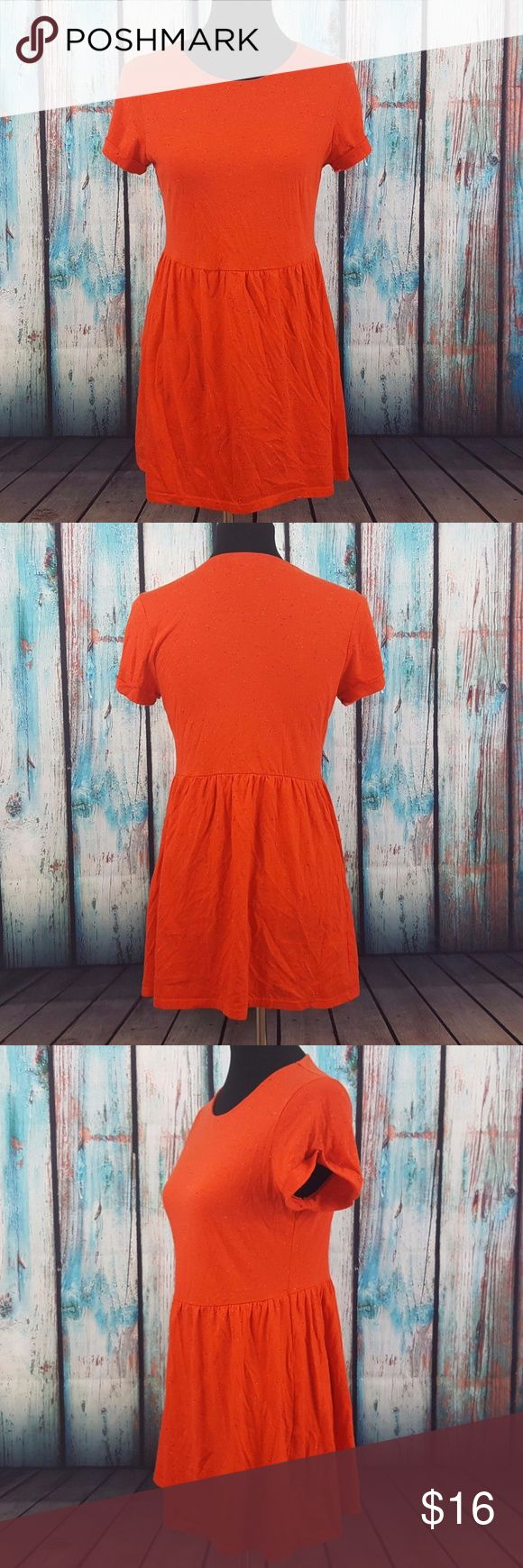 "TopShop Petite Baby Doll Dress/Tunic TopShop Petite orange short sleeve baby doll style dress orc tunic. Size 6 (US). In excellent pre-owned condition, no flaws!  Measurements Size: US 6, EUR 38, UK 10 Length: 29.5""  25 R785 Topshop PETITE Dresses Mini"