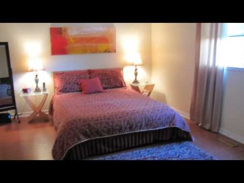 Welcome to Executive Townhouse in Streetsville -End Unit -2945 Thomas St...