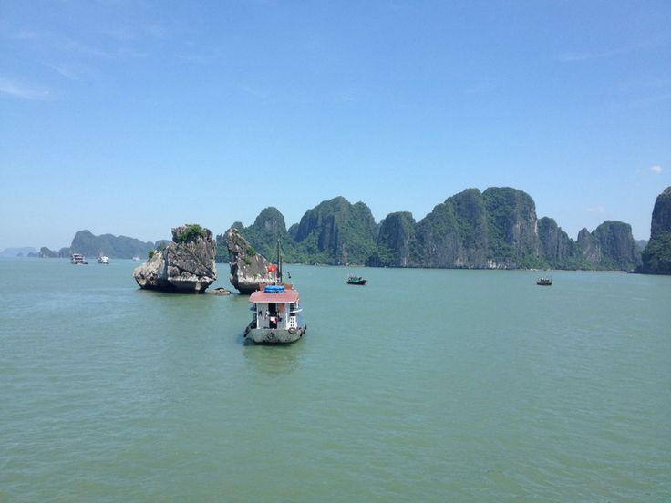 Vịnh Hạ Long (Ha Long Bay)