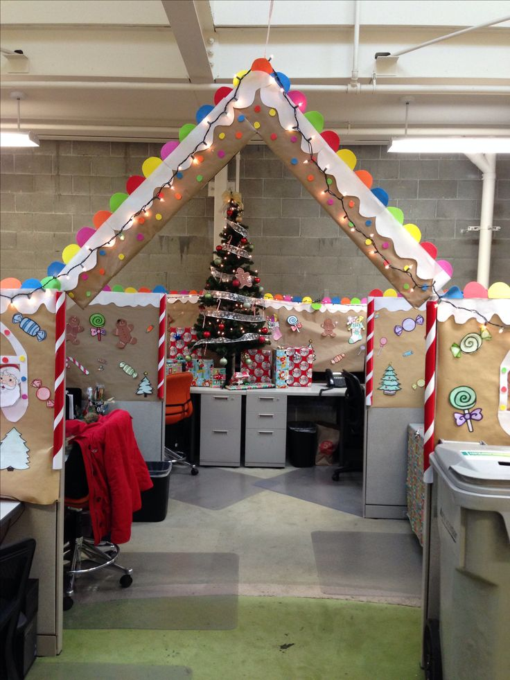 Gingerbread cubical decorating 1st place christmas for Xmas office design