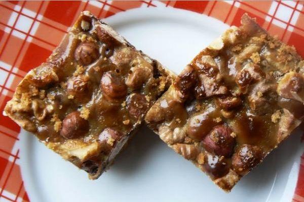 Gyorsan elkészül: csokis-diós-mogyorós szelet