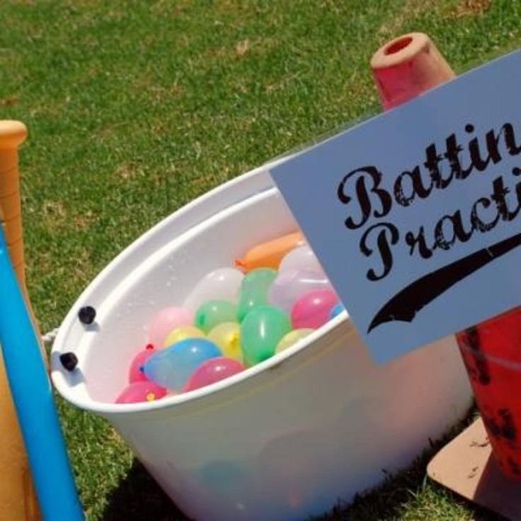 8 Effortless Summer Fun Ideas For Lazy Moms Like Me  Read more: http://www.mommyish.com/2013/07/08/easy-summer-activities-for-kids/?utm_campaign=coschedule&utm_source=pinterest&utm_medium=Keeper%20of%20the%20Home%20(For%20summer)#ixzz3AQ0Tsja5