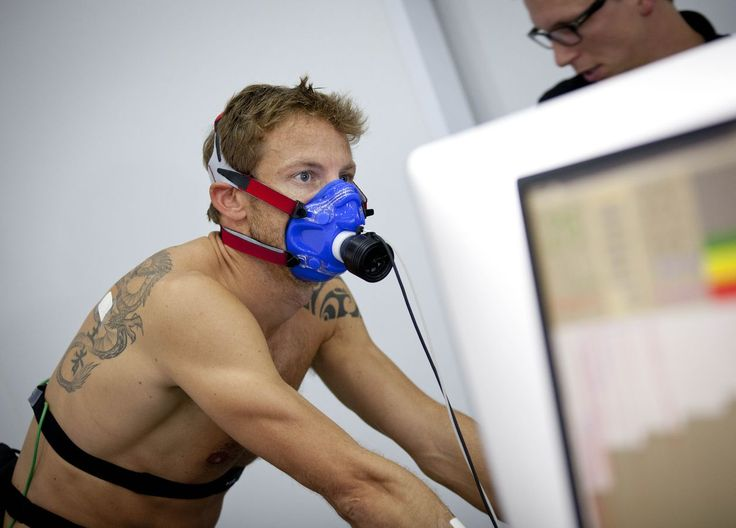 Triathlon enthusiast Jenson Button recently took on Olympian triathletes, Alistair and Jonathan Brownlee at GSK's Human Performance Lab in London. Find out how who came out on top.