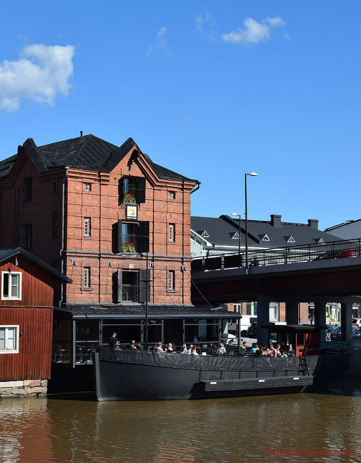 Eating or having drinks in a boat restaurant is a unique experience that Porvoo can offer.