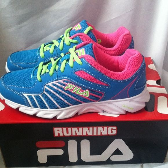 New fila running shoes. New fila running shoes. Size 5 womens.new never use.,,make me an offer. Fila Shoes