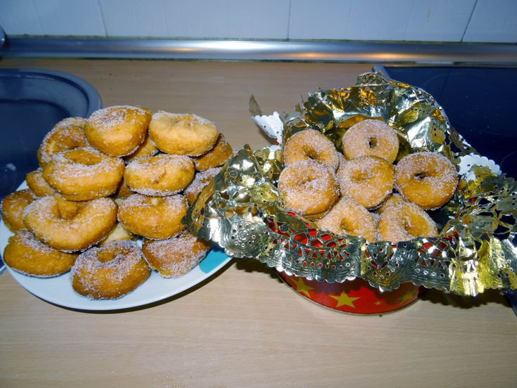 Receta de Rosquillas de Anís Monsieur Cuisine Lidl Silvercrest Ingredientes: 200 gr de azúcar 100 ml de aceite de girasol 50 ml de anís Una pizca de sal La p...