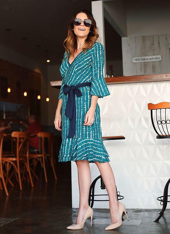 Por mais de 20 anos, a marca Luzia Fazzolli, apresenta coleções sofisticadas e exclusivas criadas para mulheres refinadas e estilo clássico, vestindo-as do seu ambiente de trabalho a um evento noturno, trazendo peças que combinam shapes modernos e tecidos finos enriquecidos com detalhes encantadores.