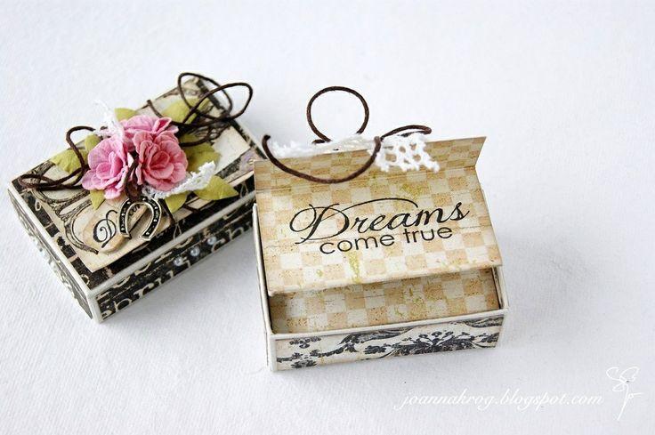 W Kartkowym Zaciszu: Pudełeczko na szczęście / A tiny box and a card / Matchbox mini