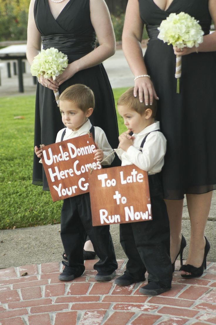 Diy ring bearer signs uncle donnie here comes your girl for Diy ring bearer
