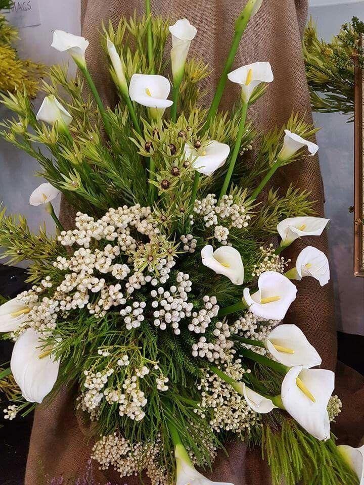 Oltre 25 fantastiche idee su fiori per la chiesa su for Fiori con la p